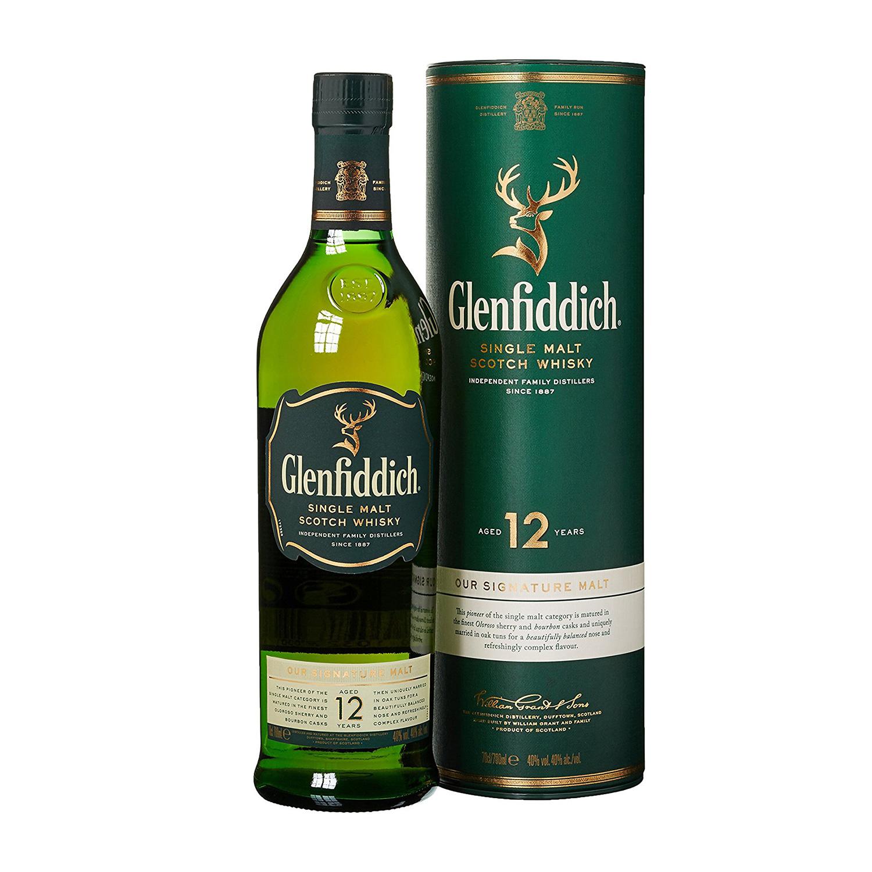 In Förstergrün präsentiert sich der Glenfiddich 12 Jahre (Foto: Amazon)