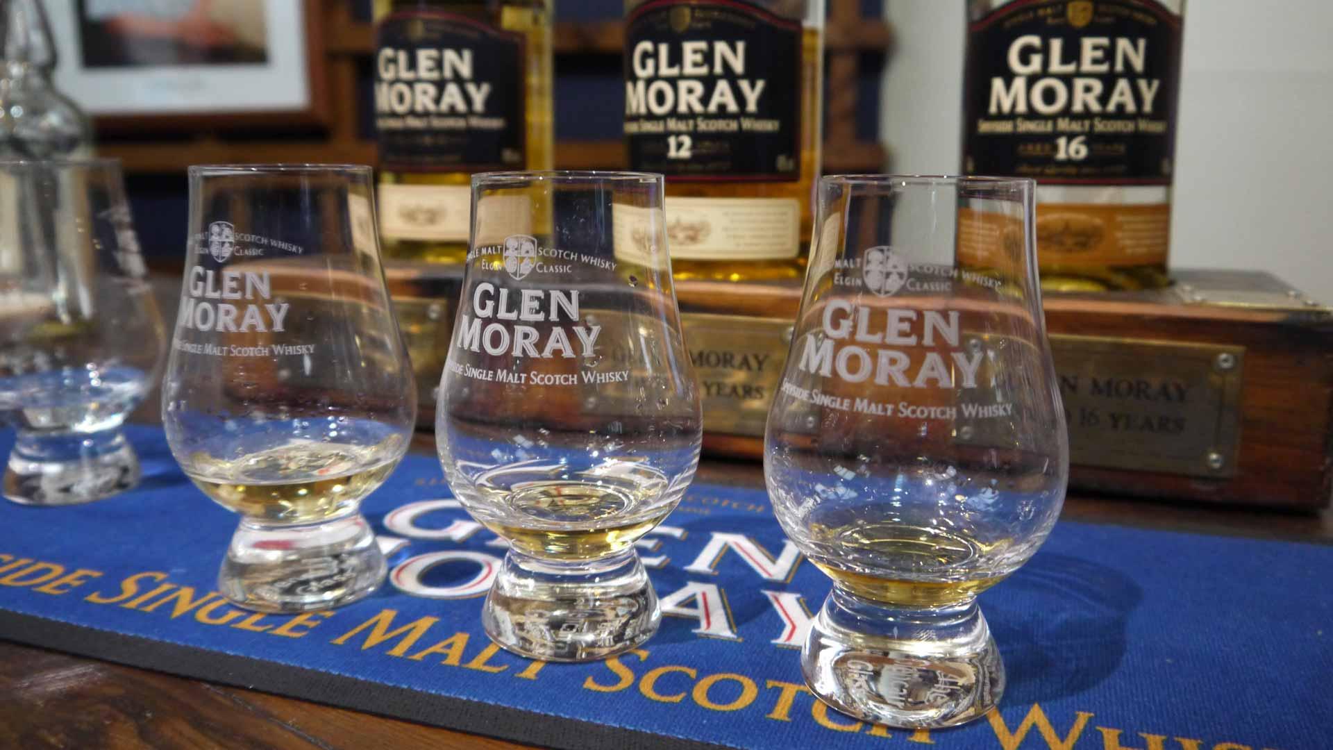 Bei der Verkostung von Whisky kann ein vertikales Tasting Sinn machen, wie hier bei Glen Moray. (Foto: Malt Whisky)