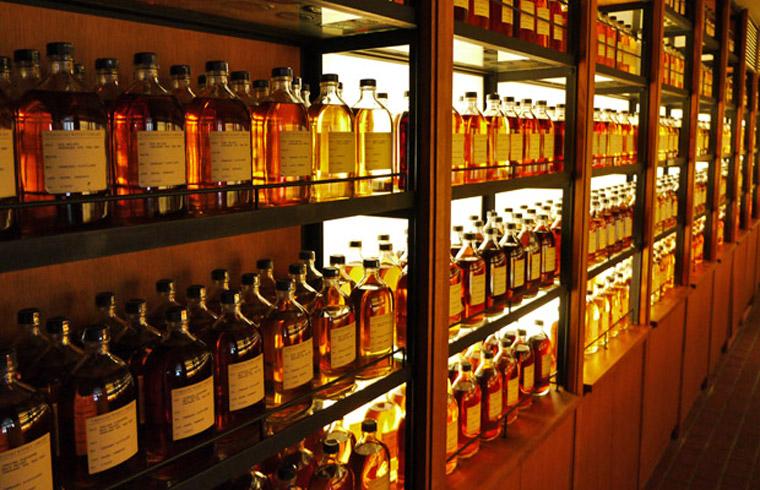 In der Yamazaki Whisky Library lagern tausende Samples (Foto: Malt Whisky)