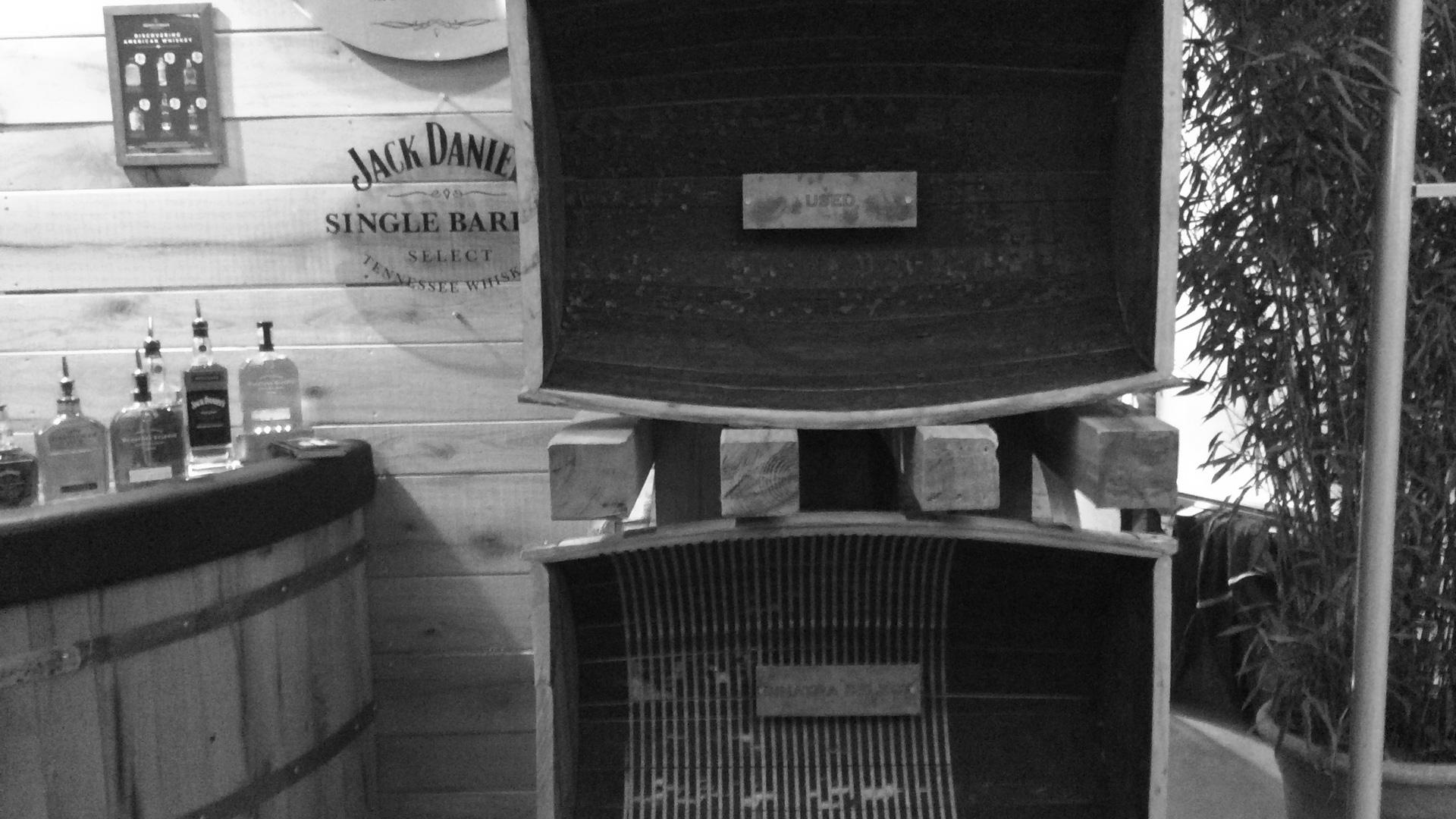 """Oben ein normales Fass, unten das besonders präparierte Sinatra-Select-""""Spezialfass"""". (Foto: Malt Whisky)"""