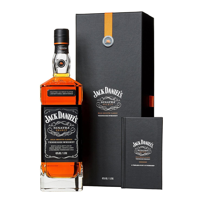 Standesgemäß: Jack Daniel´s Sinatra Select in edler Verpackung. (Foto: Amazon)