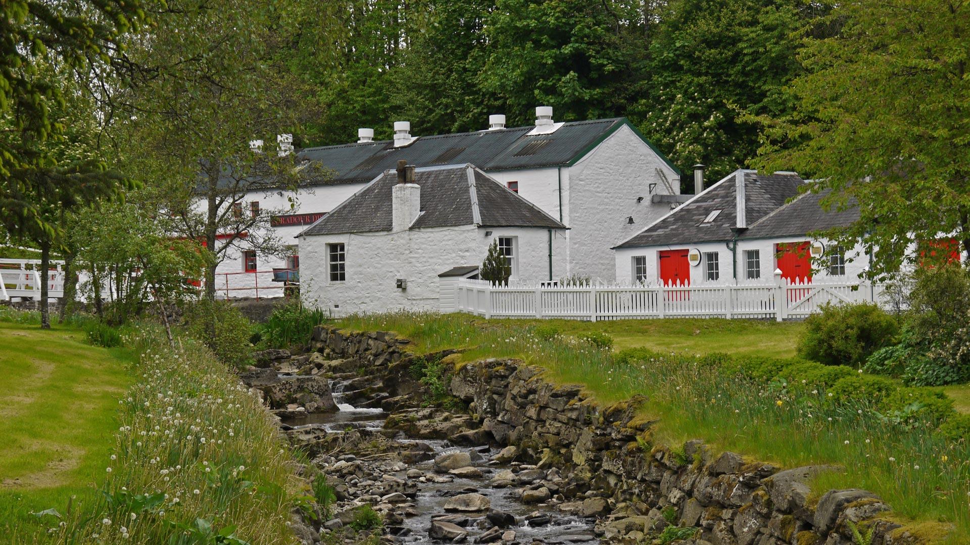Die Destillerie von Edradour in der Nähe von Pitlochry. (Foto: Malt Whisky)