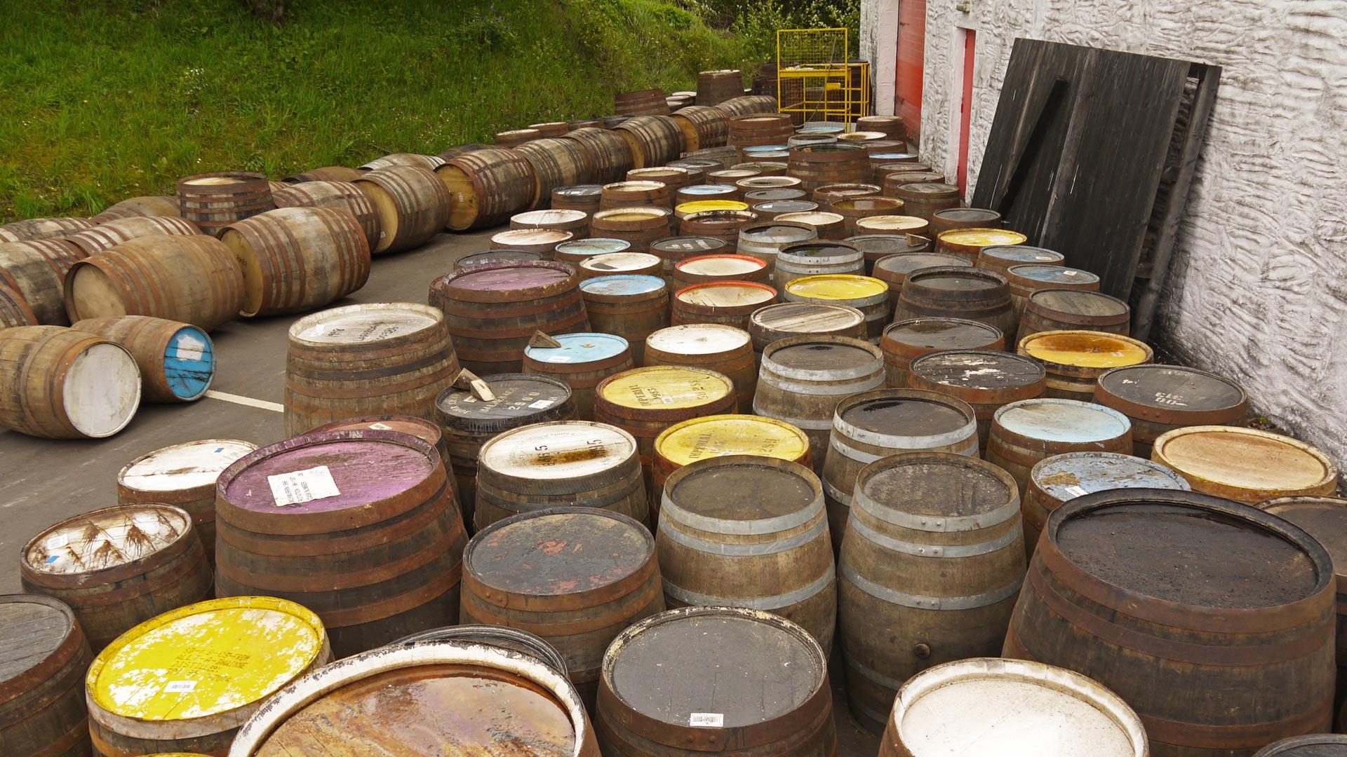 Bei Edradour wird mit vielen verschiedenen Whiskyfässern experimentiert. (Foto: Malt Whisky)
