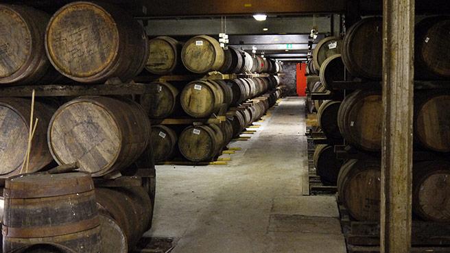 In den Warehouses von Laphroaig lagern auch die speziellen Quarter-Casks. (Foto: Malt Whisky)