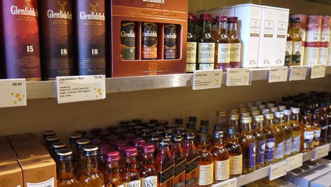 So viel Auswahl: Schottische Single Malts in Edinburgh (Foto: Malt Whisky)