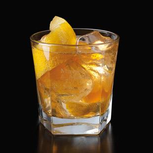 Horses Neck Cocktail mit Rye-Whiskey (Foto: Beam Suntory)