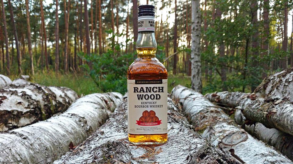 Der Ranch Wood von Penny möchte mit holzigen Assoziationen punkten. (Foto: Malt Whisky)