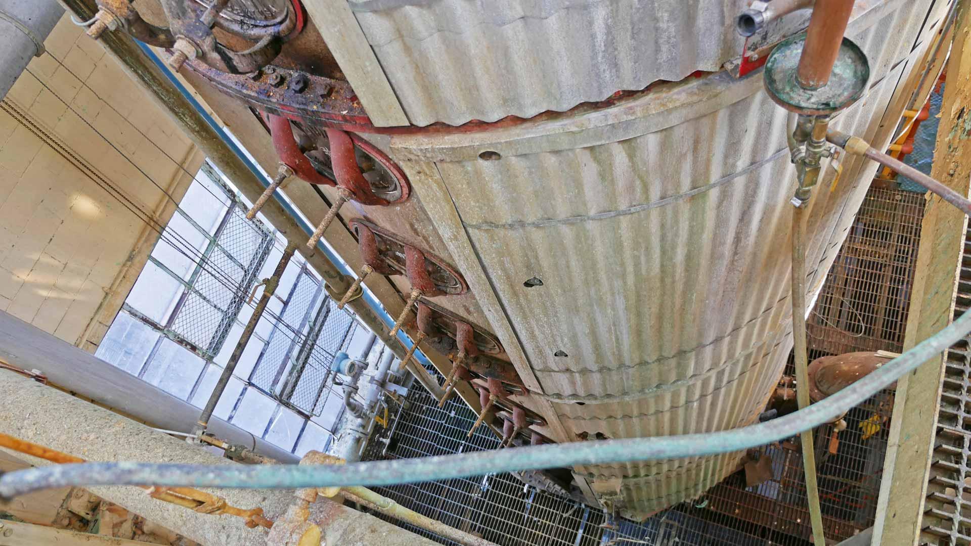 Haushohe Brennanlage: Bei Buffalo Trace wird in einer Column Still gebrannt. (Foto: Malt Whisky)