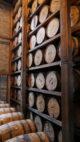Hoch gestapelt. Lagerung von Bourbonfässern bei Woodford Reserve. (Foto: Malt Whisky)
