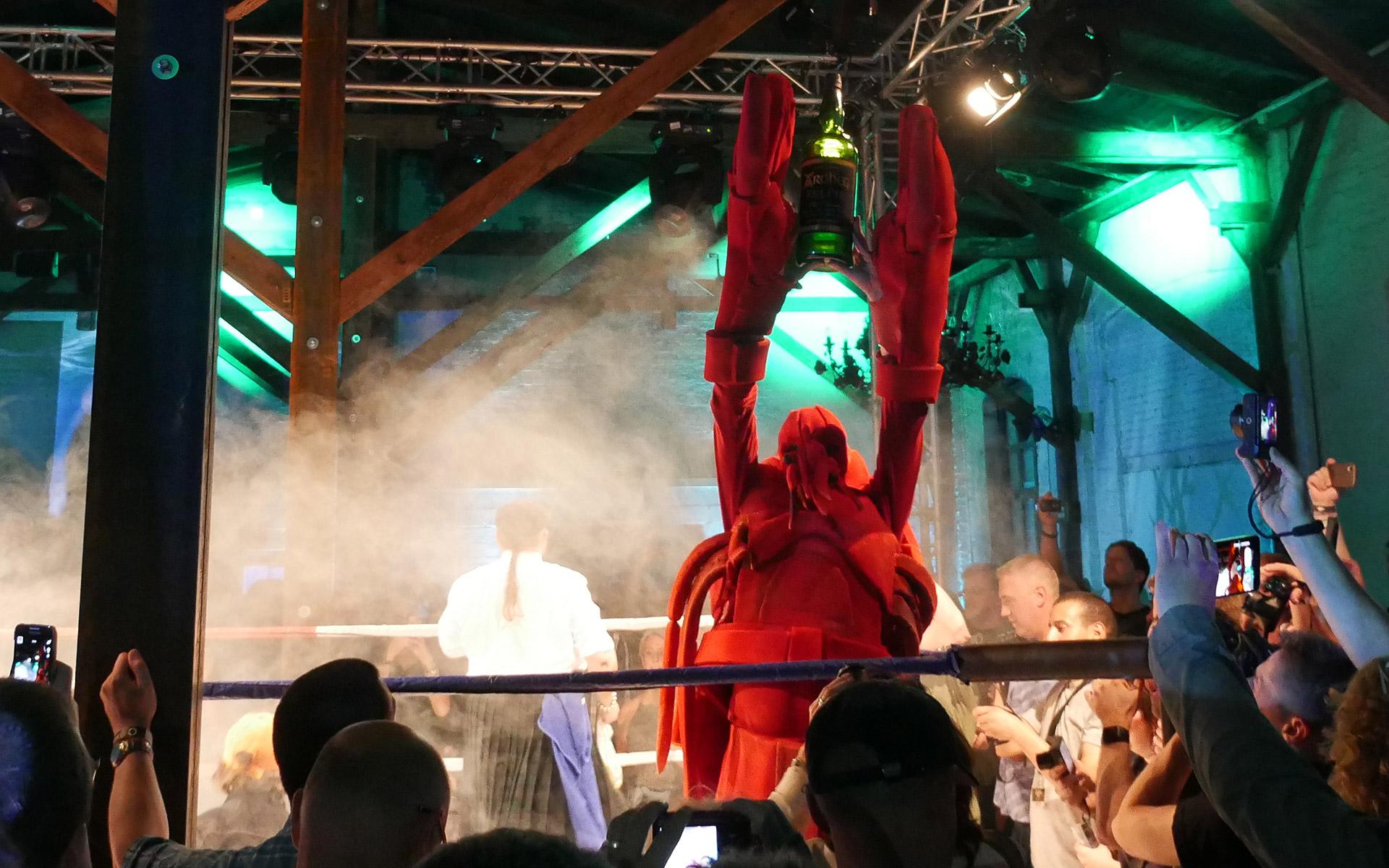Der Lobster war am Ende siegreich - und so konnte der Ardbeg Kelpie verkostet werden (Foto: Malt Whisky)