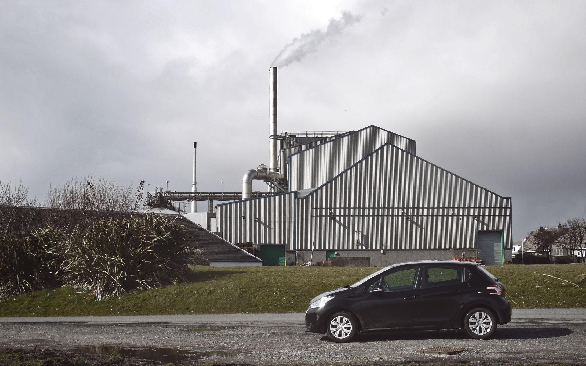 Gut im Geschäft: In den Port Ellen Maltings wird Gerste für fast alle Destillerien der Insel Islay gemälzt (Foto: Malt Whisky)