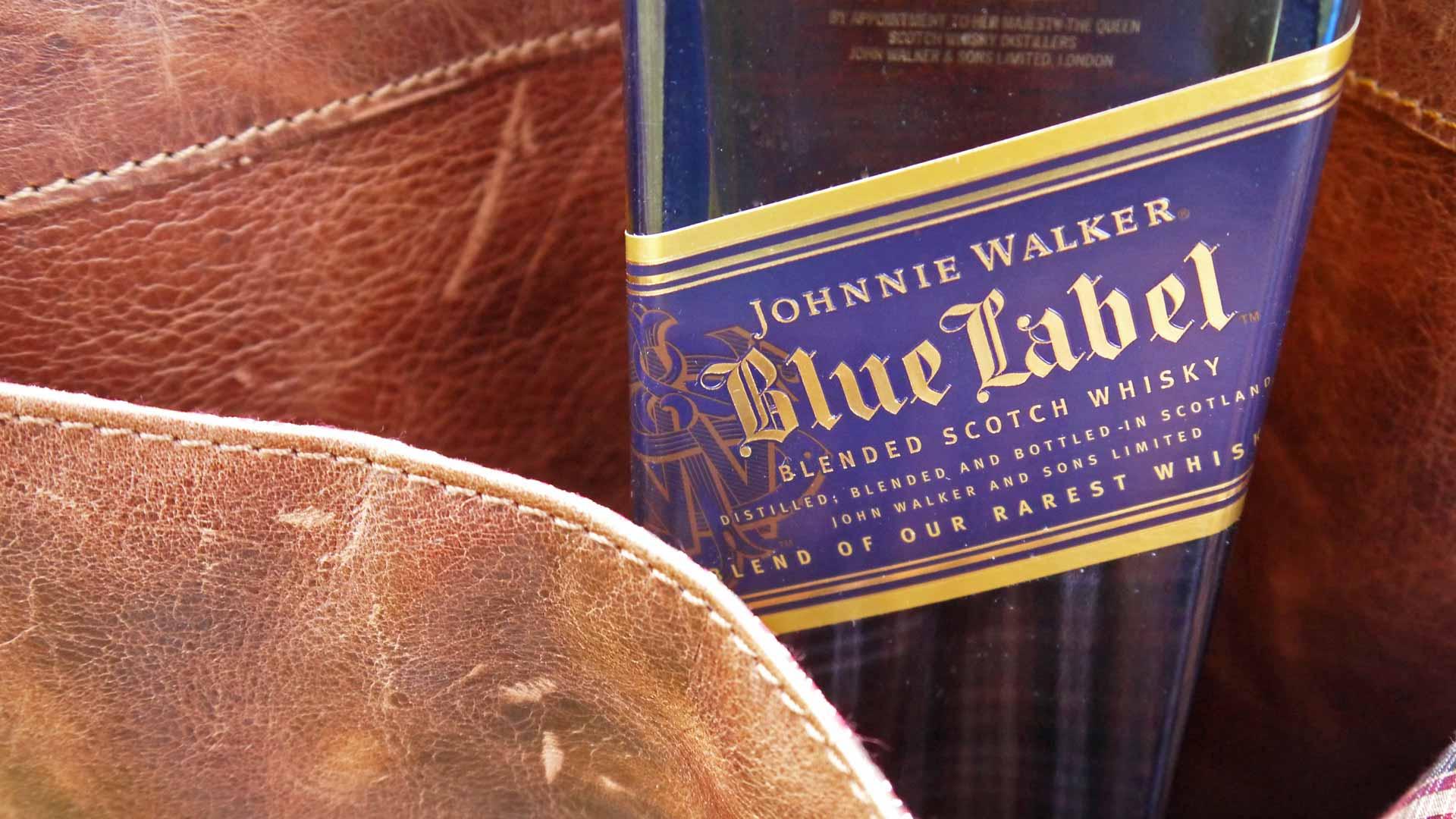 Auch auf Reisen eine stilsichere Begleitung: Johnnie Walker Blue Label (Foto: Alkoblog)