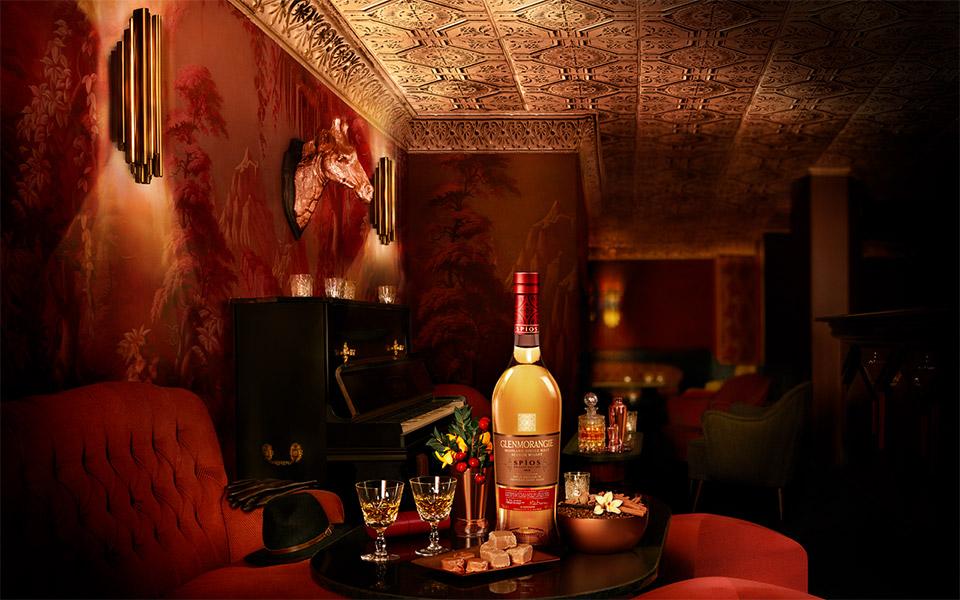 Stimmung wie im luxuriösen Saloon: Der Glenmorangie Spios lagerte im amerikanischen Rye-Whiskey-Fass (Foto: Hersteller)